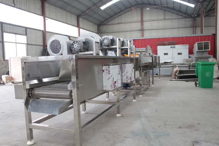 air dryer in the food processing line