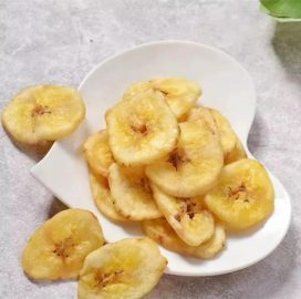 fried banana chips made by commercial banana chips processing plant