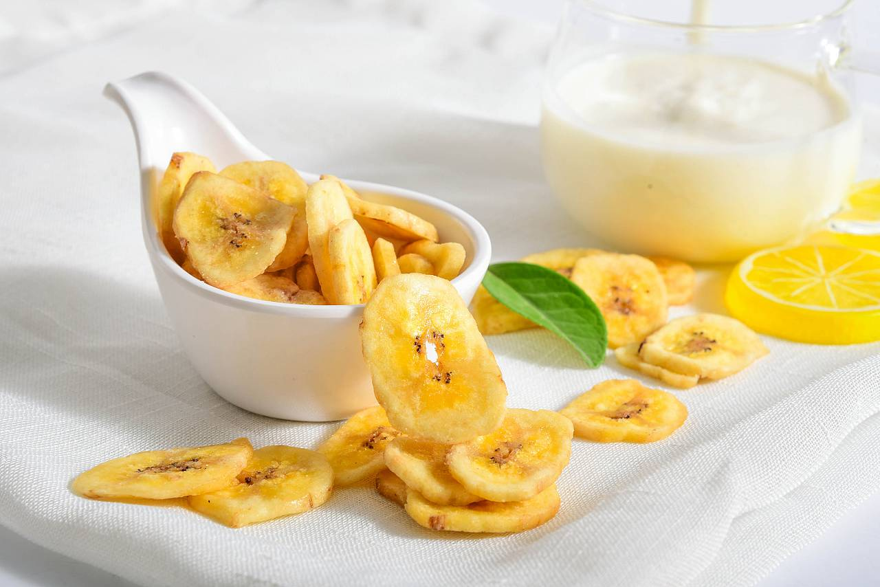 nutritious fried banana chips for human bodies
