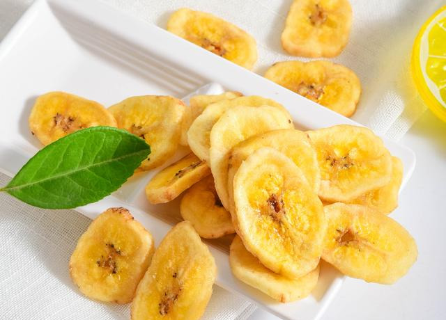 homemade banana chips